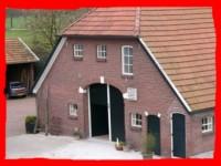 Achterhuis verkleind met rood omrand